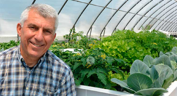 Farwest featured speaker Peter Konjoian will talk about his research work developing hydroponic production systems for vegetables and herbs.