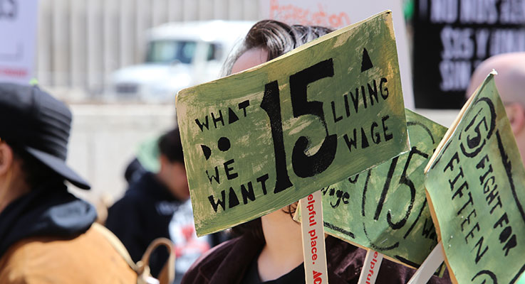 Labor unions in Oregon and other states have organized efforts to raise the minimum wage to the $15 mark.