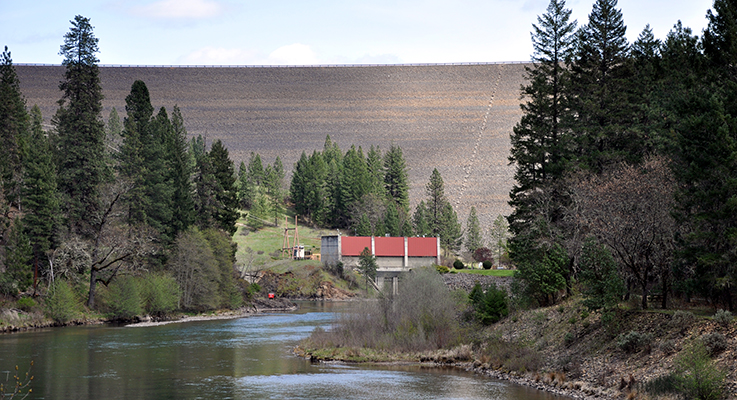 The William L. Jess Dam, a huge flood-control and hydroelectric structure, blocks the Rogue River 157 miles from its mouth. Photo courtesy of Wikipedia